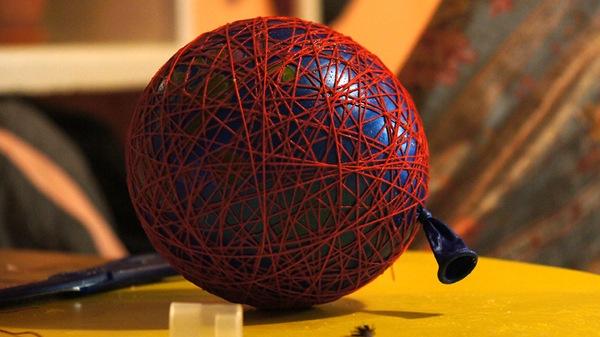 Новогодний шар из ниток своими руками шары