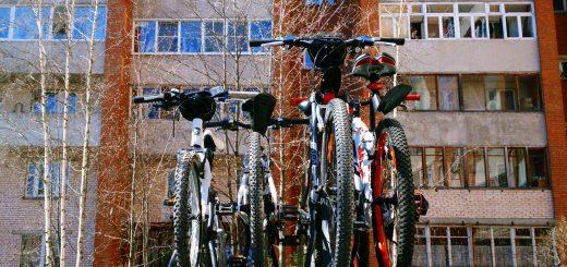 Велосипеды на крыше автомобиля